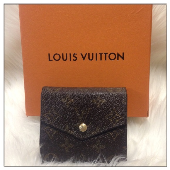 Louis Vuitton Handbags - ❤️Louis Vuitton Monogram Canvas Elise Wallet 4bb89b530883c
